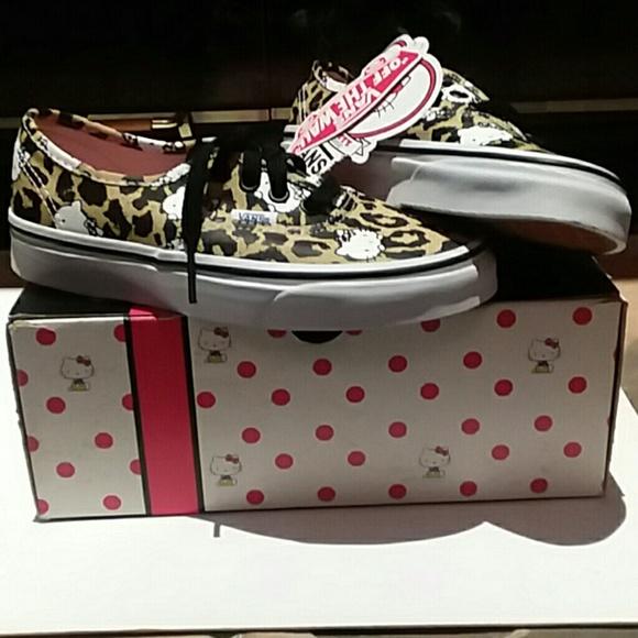 b908148478b556 Vans Hello Kitty Sneakers